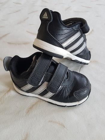 Baskets p22 Adidas