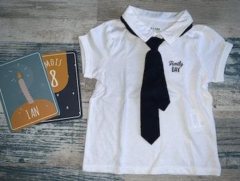 - Polo avec cravate Kiabi 18 mois, Neuf sans étiquette