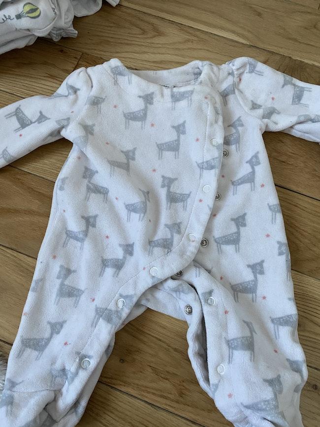 Pyjama tape à l'œil