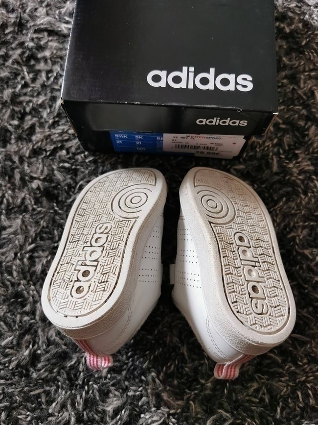Adidas advantage scratch  taille 21