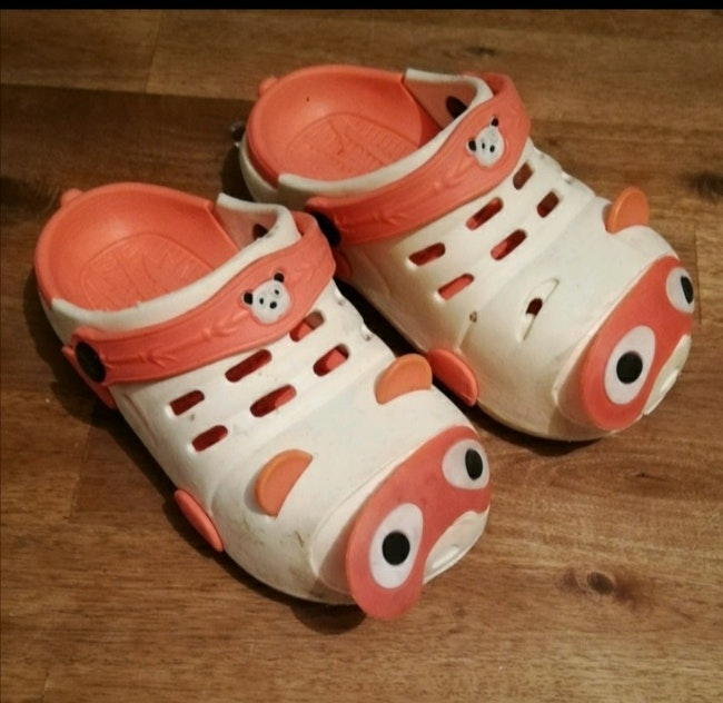 Crocs taille 28