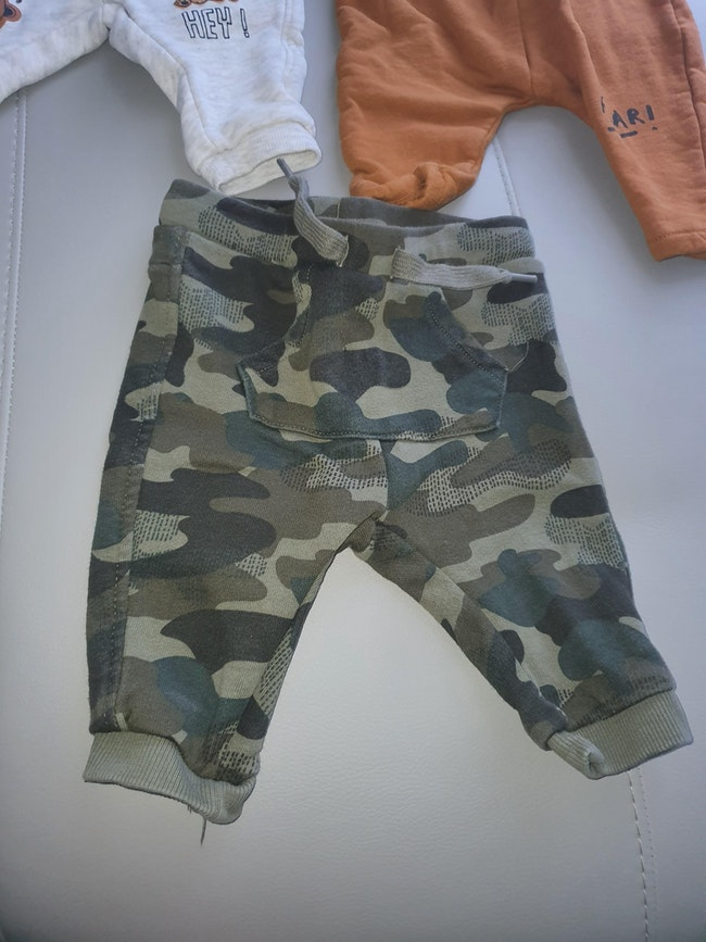 Lot pantalons garcon.