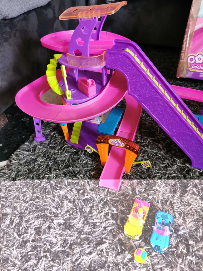 Circuit polly pocket race to the mall centre commercial