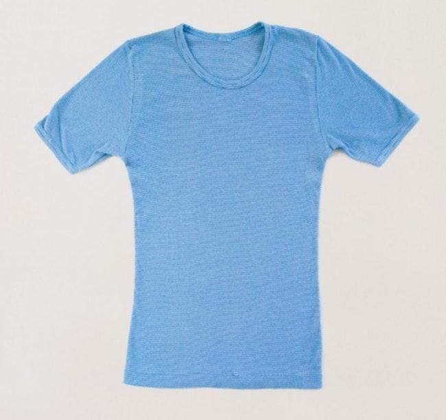 Tee-shirt bleu ciel à rayures