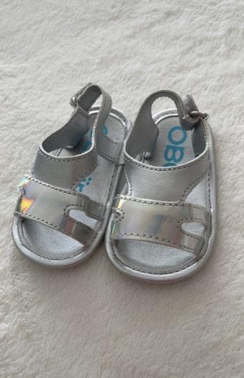 Sandalettes 3-6 mois. Obaïbi. Très bon état