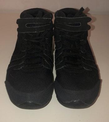 Baskets noires de danse