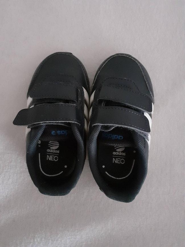 Baskets Adidas garçon taille 20