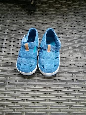 Sandalettes souples + bodie gris, lot