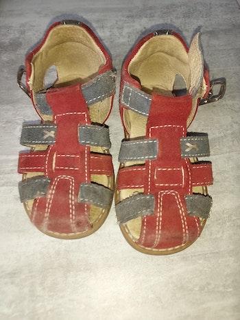 Sandale ouverte cuir marque André taille 21