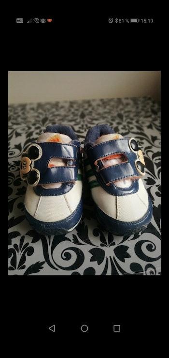 Basket taille 19 adidas bleu/blanc Mickey