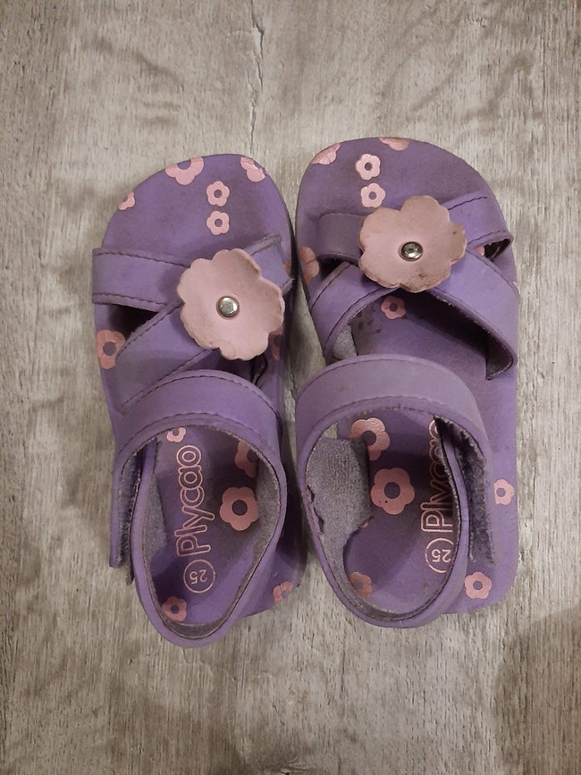 Nu pied fille taille 25