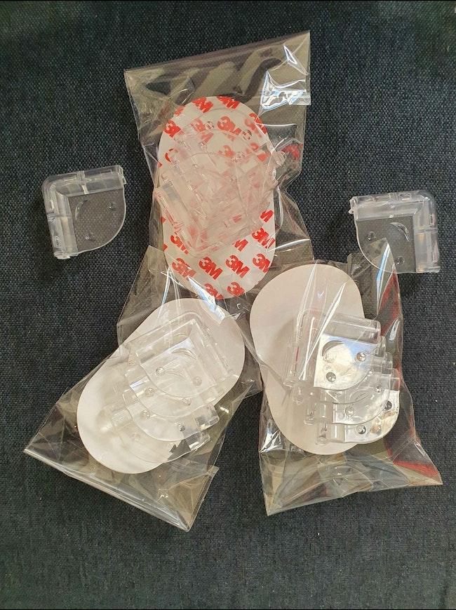 sécurité pour la protection des angles et coins de tables, meubles vitrés