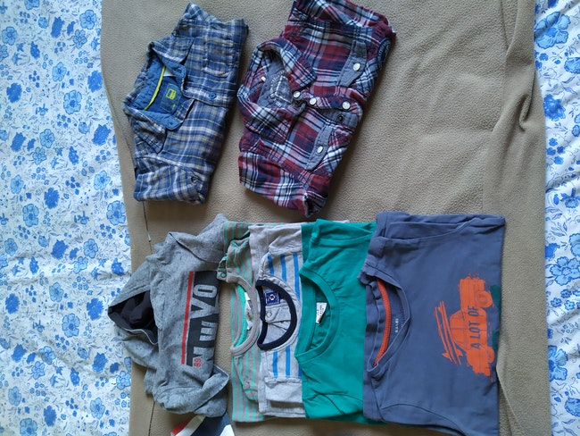 Lot pantalons et hauts 2 ans