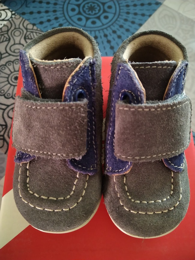 Chaussures Kickers pointure 18