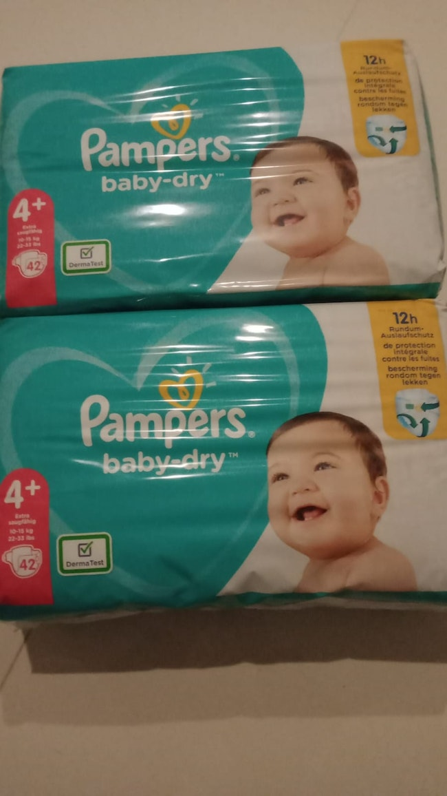 Couches pampers babydry taille 4 +