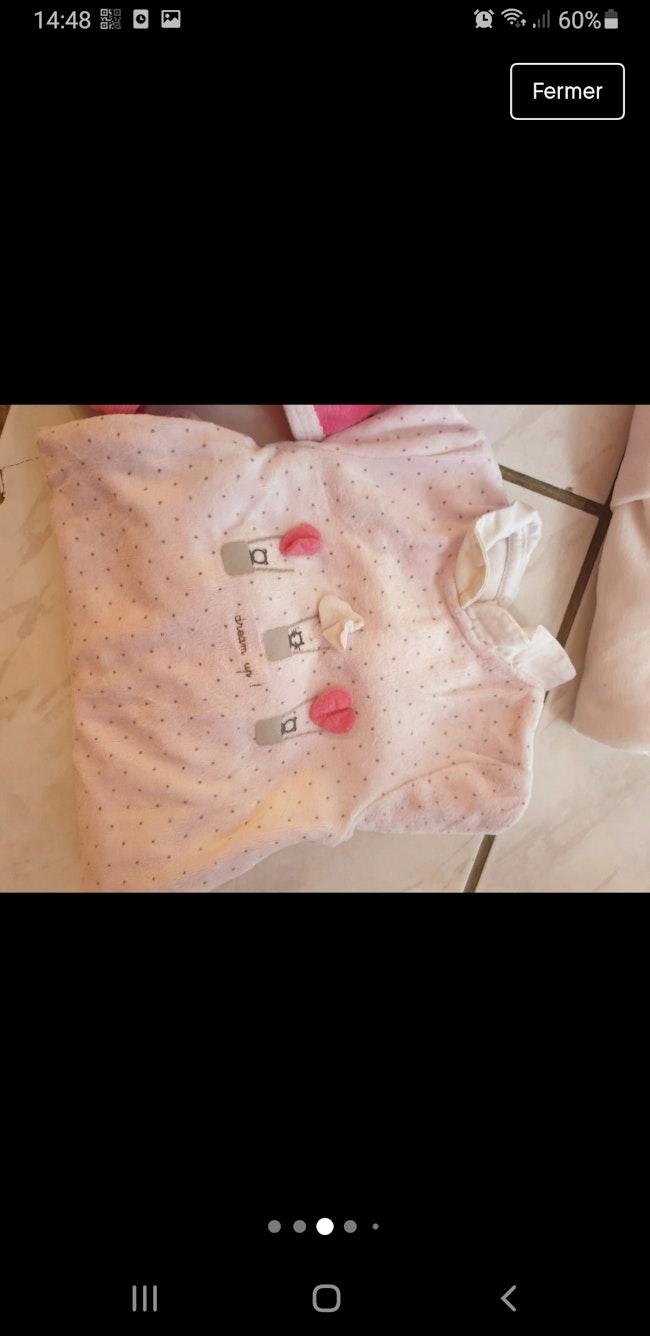 Lot de 4 pyjamas taille 1 mois