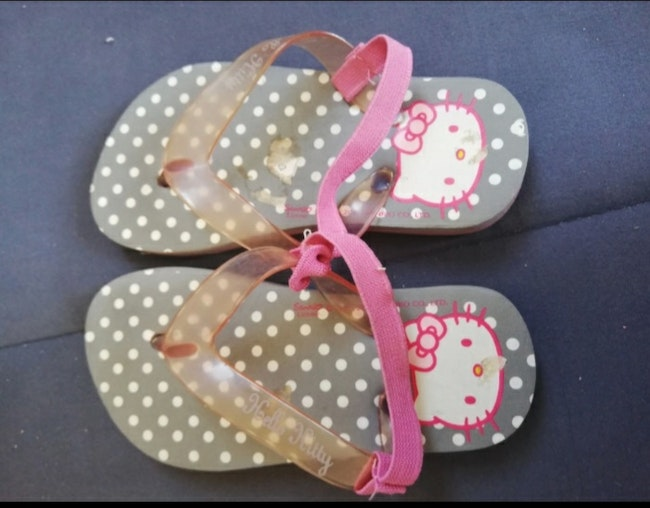 Tong hello kitty taille 25