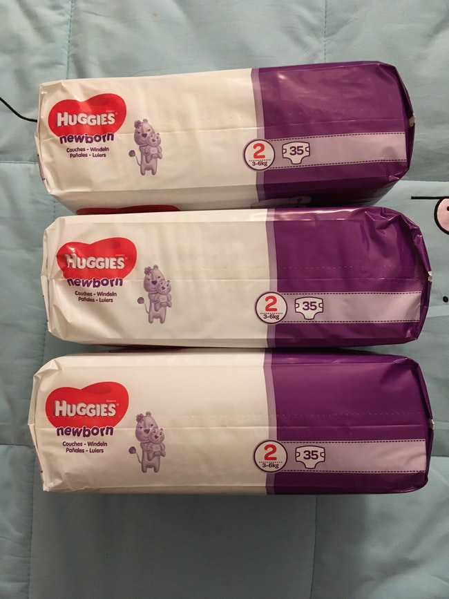 Couches Huggies taille 2