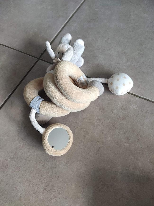 jouet spiral avec hochets