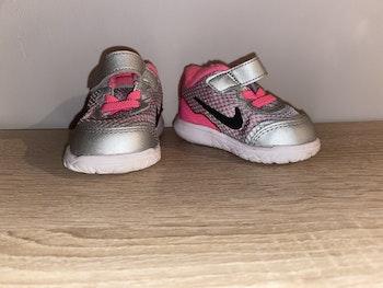 Baskets Nike fille