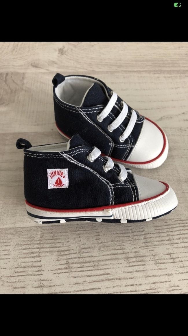 Chaussures chaussons baskets neuves junior j 3/6 mois