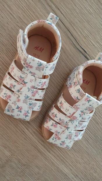 Sandales H&M fleuries