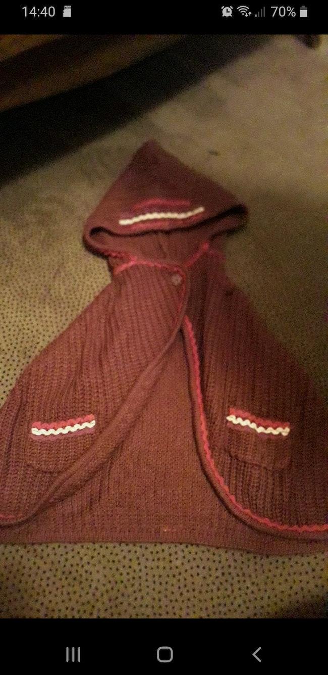 Cape en tricot pour fille de 9mois