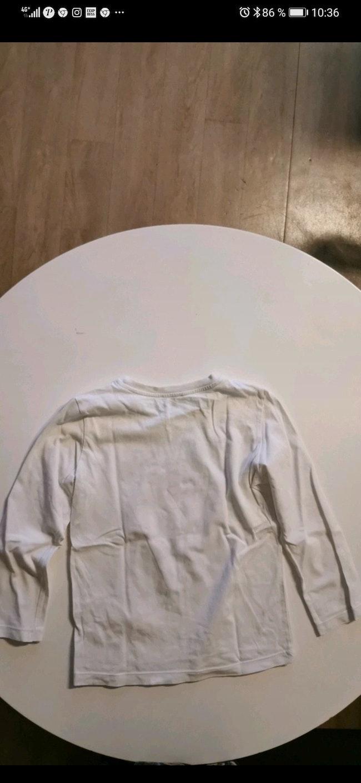 Vends tee-shirt manche longue 3 Pomme taille en très bon état sans aucune tâche.
