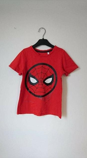 Tee shirt rouge spiderman Marvel 6 ans
