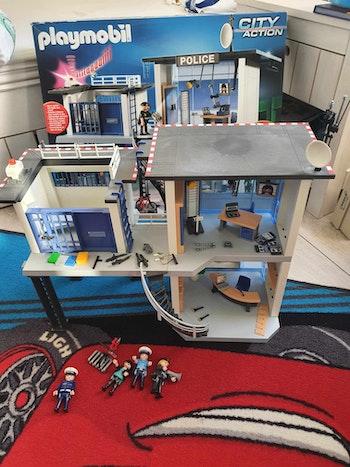 Playmobil City Action 5182 - Commissariat de police avec système d'alarme