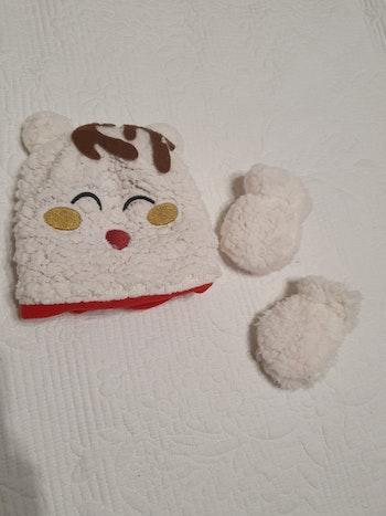 Bonnet et moufles fourrés chaudes hiver
