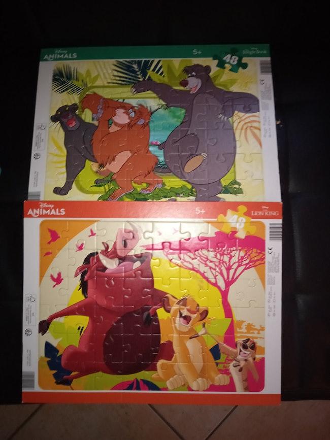 Lot 2 puzzles Disney