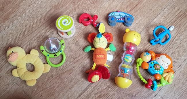 Lot de jouets d'éveil