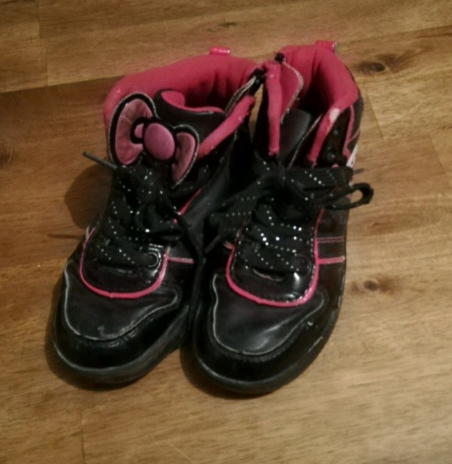 Chaussure hello kitty taille 27