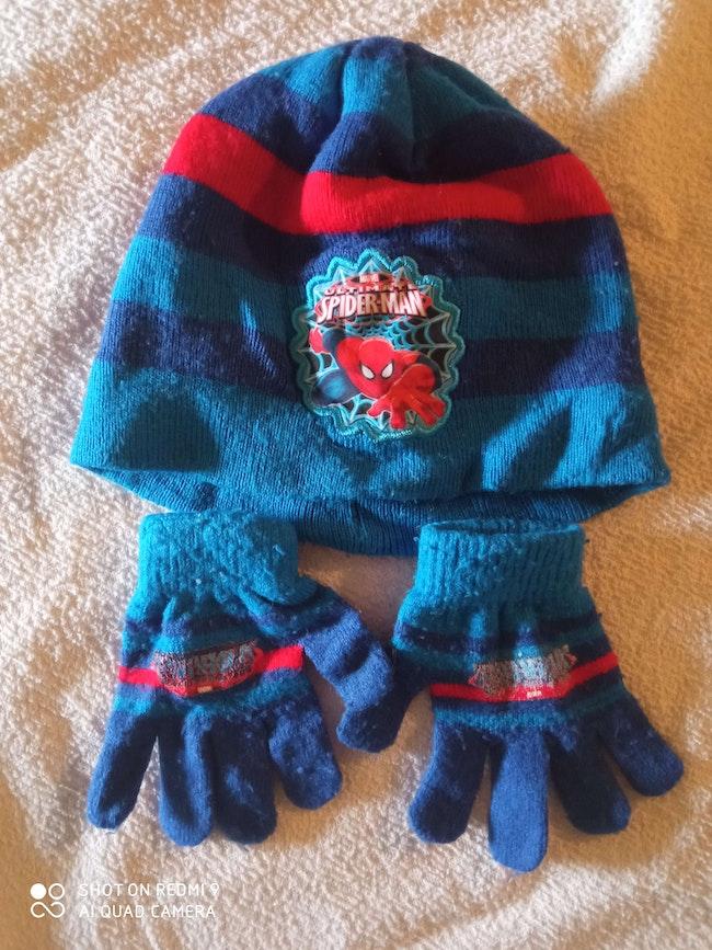 Bonnet et gant spider-man