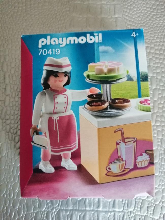 Playmobil vendeuse de gateaux