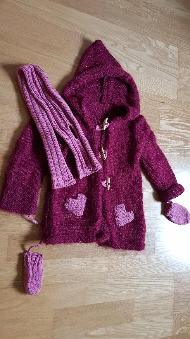 Manteau fille tricoté main 12-18 mois