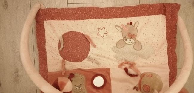Tapis d'éveil nattou