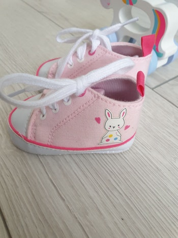 Chaussons baskets taille 17