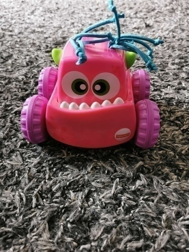 Voiture monstre press and go fisher price