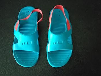 Sandales de piscine Neuves Najabi 29-30