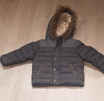Manteau garçon très chaud. Taille 3 ans. État impeccable.