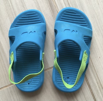 Sandales / chaussons souples taille 21-22