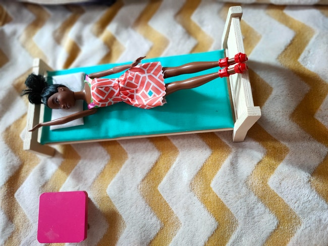 Accessoire maison de poupée.