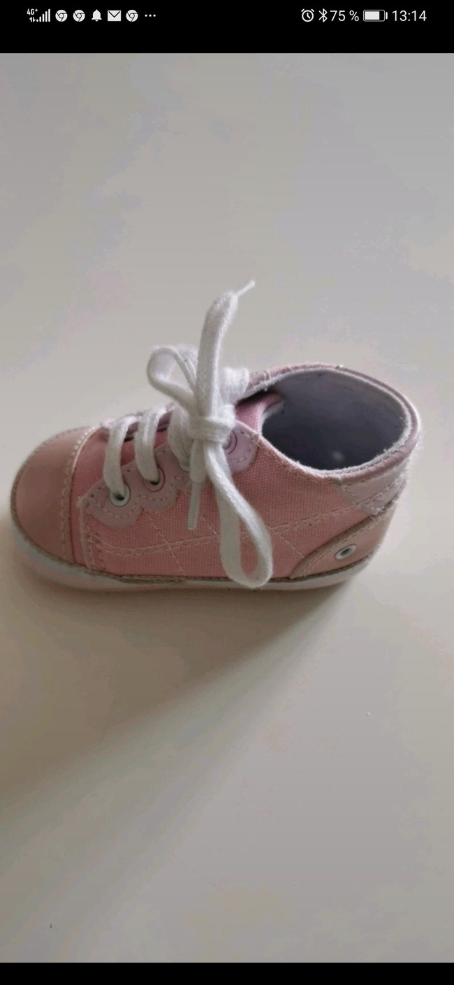 Chaussure bebe 3/6 mois taille 19 Orchestra