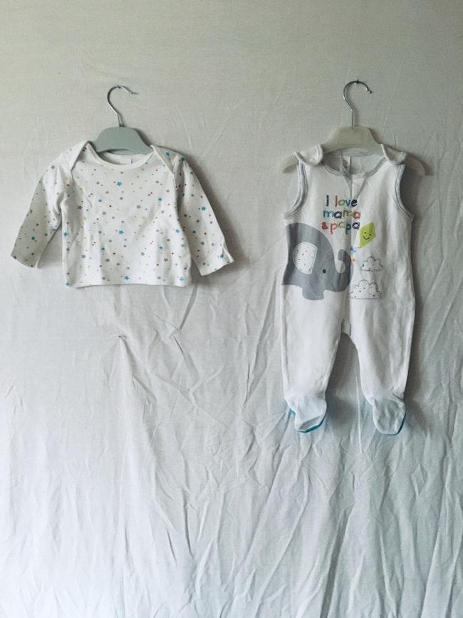 Ensemble t-shirt et salopette