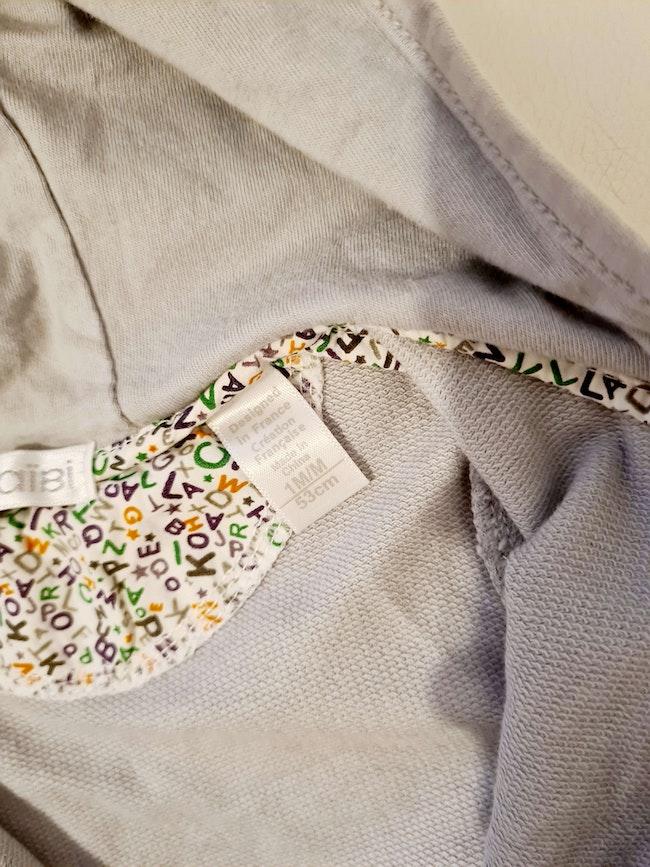 Veste à capuche grise