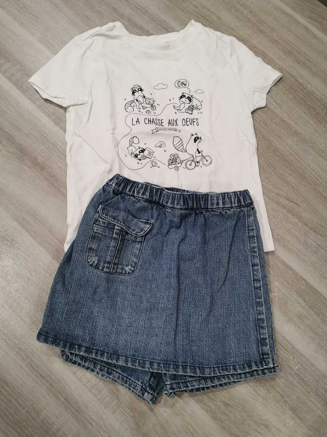 Tee shirt + jupe short 2 ans