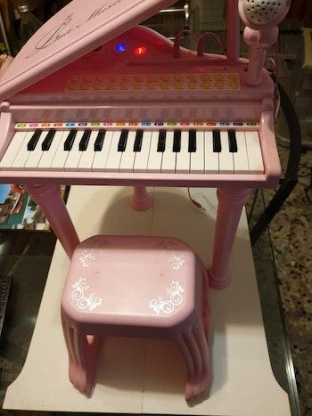"Piano Baoli ""little musician"""