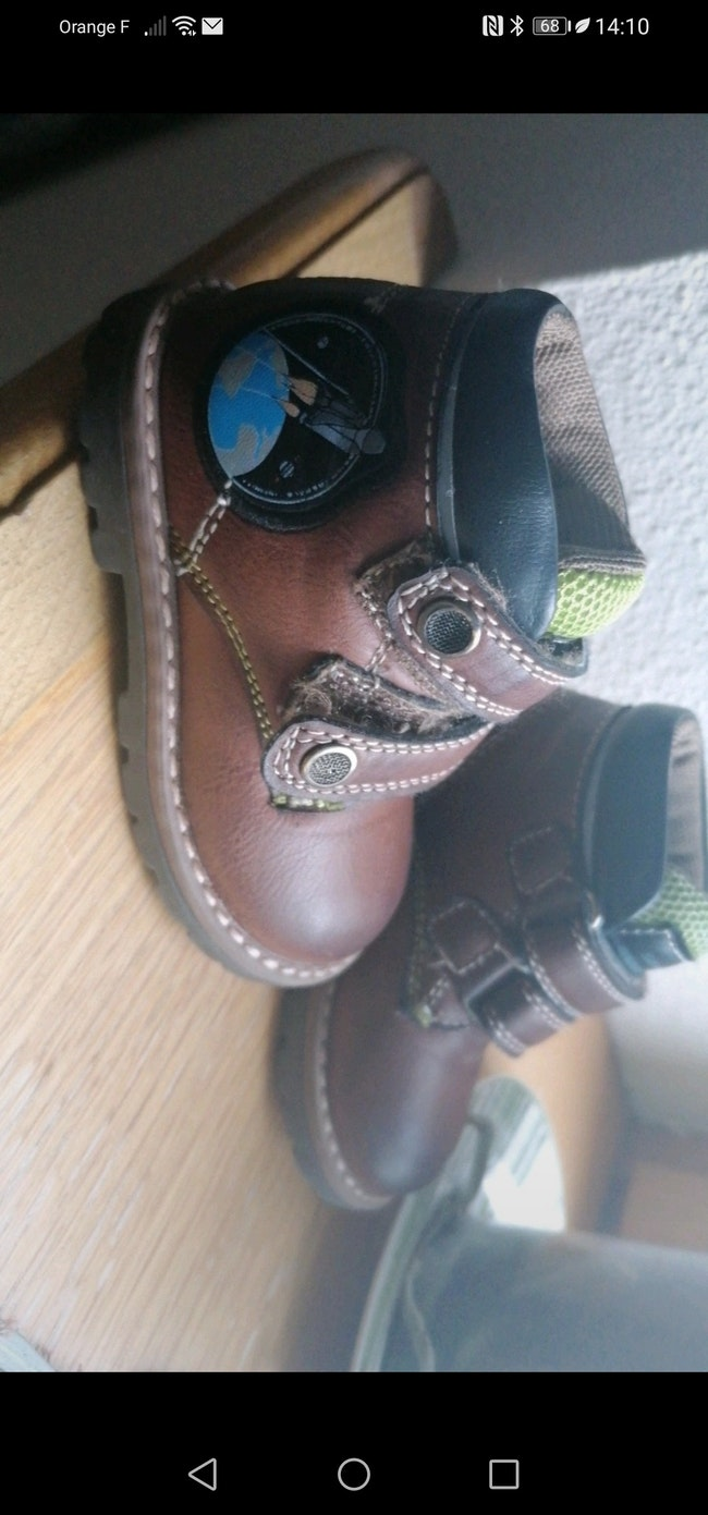 Chaussures taille 19